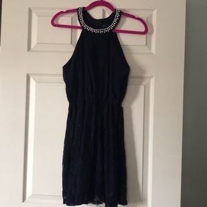 Navy cocktail dress with pearl collar! 💙